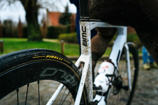 MATERIAL AMBIANCE Test pavés Paris-Roubaix  03  ©ACT_KBLB