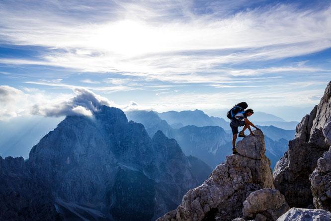 Klettern auf den malerischen Gipfeln der Julischen Alpen //  © www.slovenia.info/ Anže Čokl