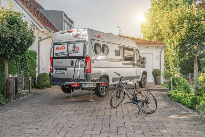 """Ein Fahrzeug der Aktion """"AL-KO Zuhause testen""""."""