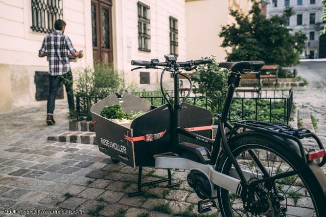 Lastenräder bieten die Möglichkeit, große Gewichte zu transportieren.  Quelle/Source [´www.r-m.de | pd-f´]