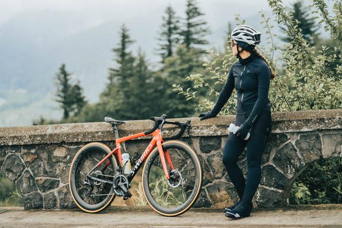 Polartec und Specialized mit sensationeller Fahrradbekleidung: Neues Schicht-System für Straße und Trail