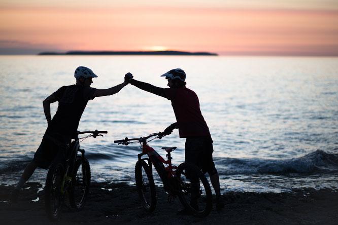 Wölfe auf zwei Rädern: Haibike und Winora gehen langfristige Partnerschaft mit dem VfL Wolfsburg ein