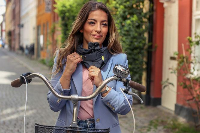 Mit dem Hövding 3 beginnt die Radsaison sicherer und stylish zugleich. © Hövding