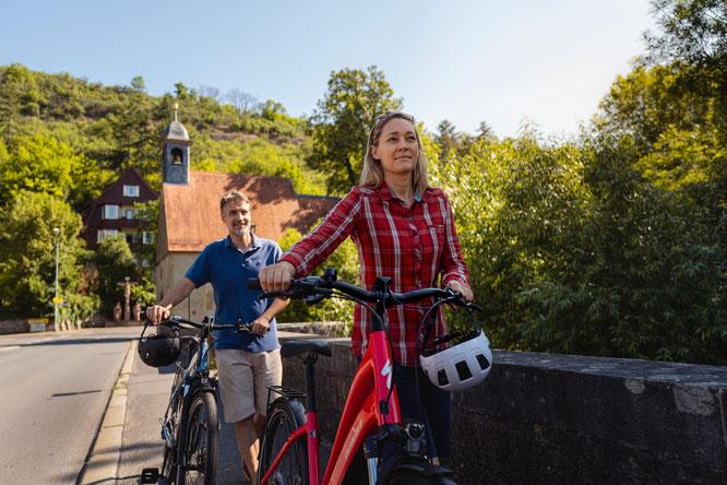 """Die im lieblichen Taubertal und an der """"Romantischen Straße"""" gelegene Urlaubs- und Gesundheitsstadt hat sich für Rad-Reisende aller Generationen weit über die Landesgrenzen hinaus einen Namen gemacht. Foto: Philipp Reinhard"""