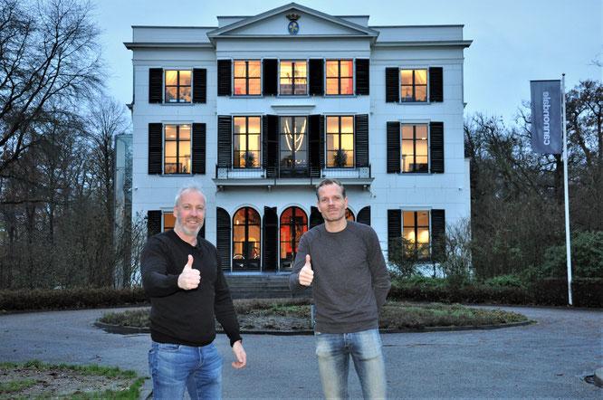 Frank und Eugene vor einem der drei Gebäude auf dem Campus Cannondale in Woudenberg, NL