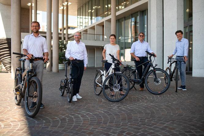 """Geschäftsführung_JobRad_Gruppe"": Ausgezeichnete Fahrradförderung – das Geschäftsführungs-Team der JobRad Gruppe (v.l.n.r.: Ulrich Prediger, Matthias Wegner, Andrea Kurz, Roland Potthast und Holger Tumat)"