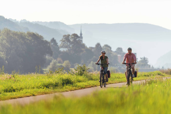 Radfahrer auf dem Elberadweg - Foto Felix Meyer Elberadweg