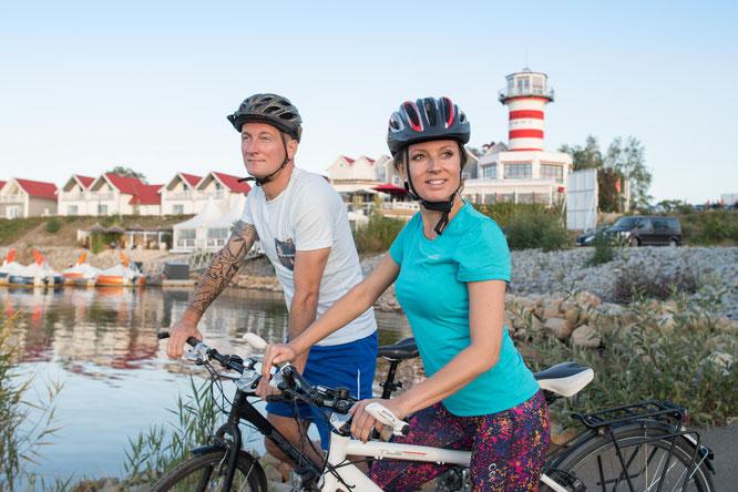 Radfahrer am Geierswalder See. Bildnachweis: Tourismusverband Lausitzer Seenland, Nada Quenzel