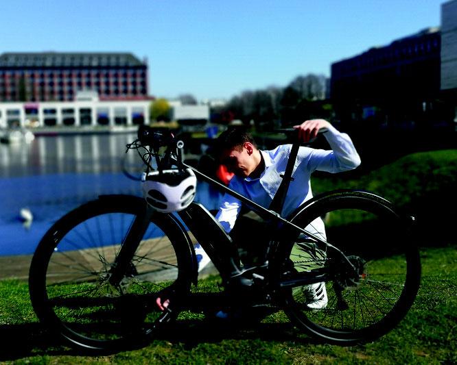 Seit über einem Jahr leistet der Pannen- und Unfallservice von Assona E-Bike-Fahrenden europaweit zuverlässige Hilfe