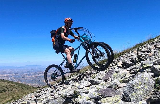 Das 3x3-Bike von Ascendu ist für jeden Anstieg zu haben.