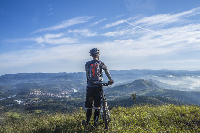 Hike & Bike mit Montane ©Bild: Fabricio Macedo FGMsp auf Pixabay