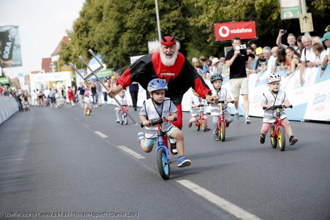 Die Bedeutung des Radfahrens für Kinder und warum die Verantwortung für die Raderziehung bei den Eltern liegt