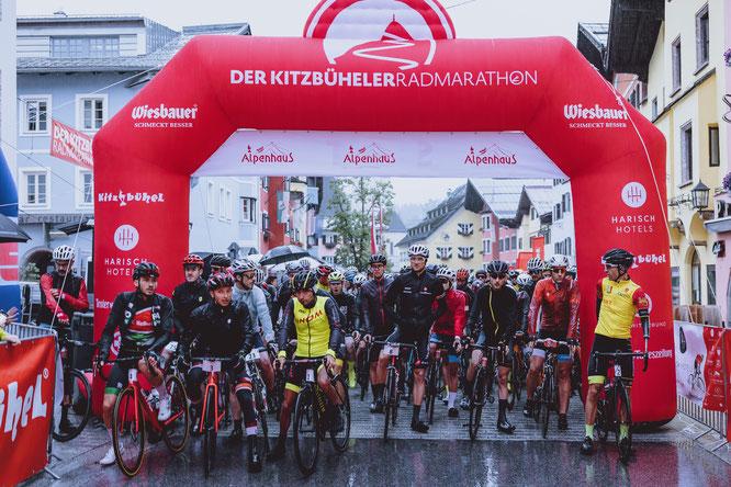 Start zum 1. Kitzbüheler Radmarathon in der Vorstadt ©Expa Pictures