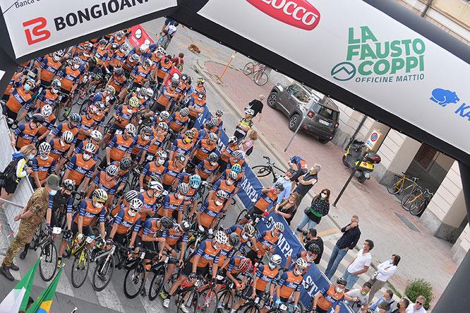 Partenza La Fausto Coppi 2021