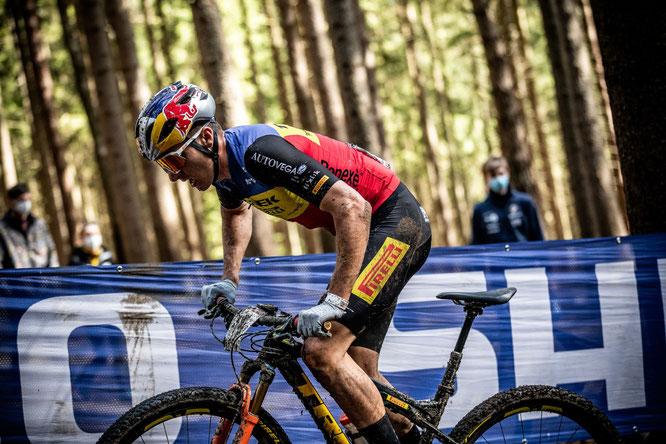 @rossbellphoto - Team Trek Pirelli - Vlad Dascalu RID