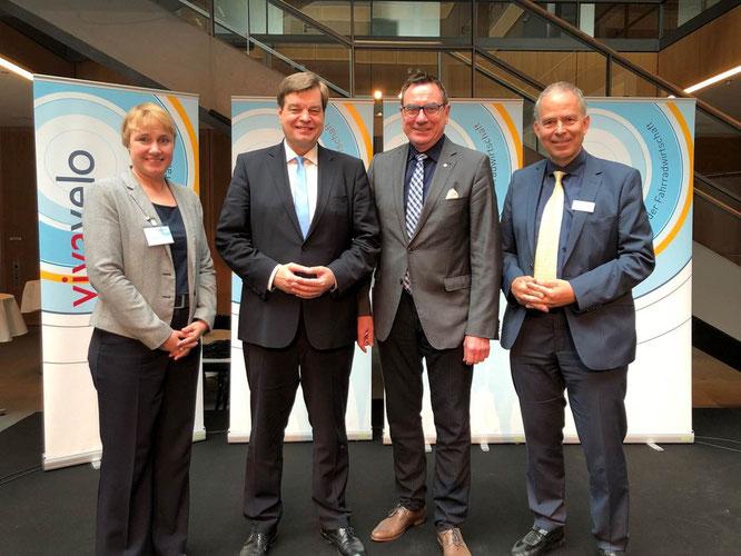 v.l.n.r.: Karola Lambeck, Enak Ferlemann, Ulrich Syberg, Albert Herresthal / ©VSF