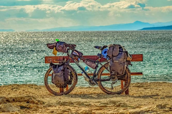 Bikepacking: Bild von Dimitris Vetsikas auf Pixabay