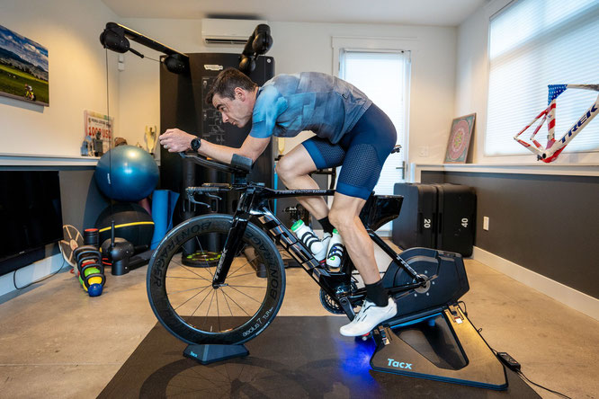 Bestens ausgerüstet für das Indoor-Training mit Santini und Polartec