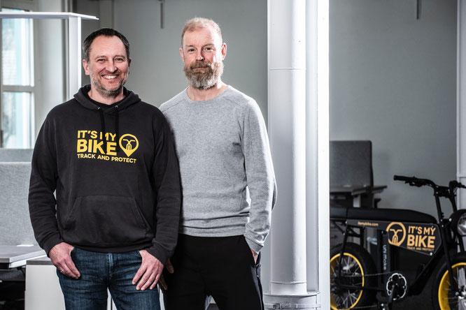 Links Chief Operating Officer Thomas Ullmann, rechts  CEO Jürgen Veith im Technologie- und Gründerzentrum Hub 31 in Darmstadt/ Unternehmenssitz