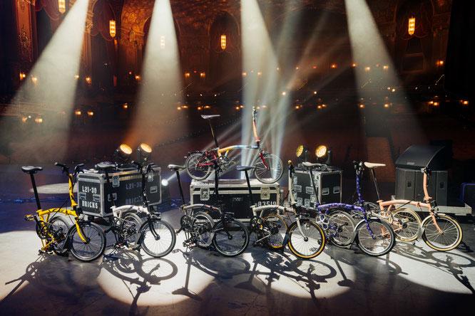 Die Versteigerung einzigartiger, von weltbekannten Musikgrößen designten Brompton-Fahrräder hat über Greenhouse Auctions insgesamt 142.200 Dollar eingebracht.  ©Brompton
