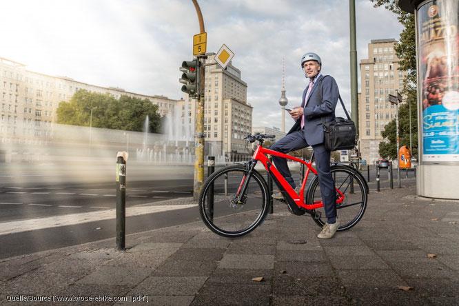 Der pressedienst-fahrrad hat zehn wichtige Punkte herausgearbeitet, die in Zukunft für mehr Sicherheit für Radfahrer im Straßenverkehr sorgen sollen.
