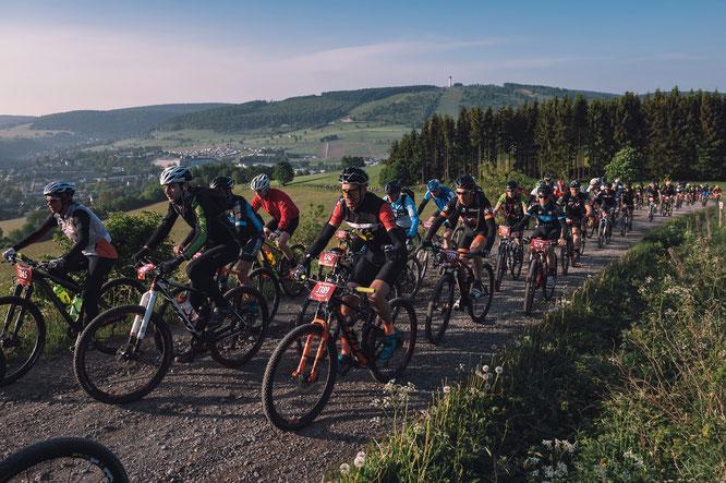 Mountainbike Marathon-Starter © Miha Matavz