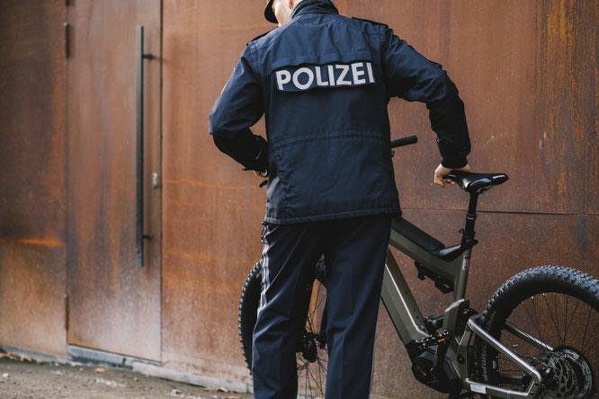 Immer mehr Versicherungen verpflichten Fahrradhändler, ihre E-Bikes mit BikeTrax auszustatten – Erfolge von PowUnity zeigen warum // PowUnity ©MariaKirchnerFotografie