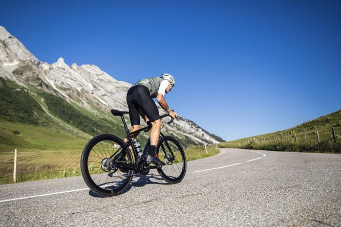 Moustache Bikes präsentiert seine E-Road Modelle