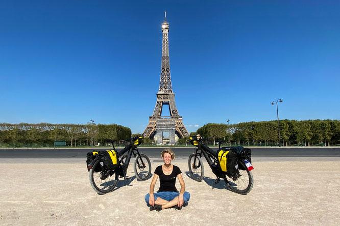 Sabine Brüsch mit E-Bike in Paris | PROTECTONAUT Presseinfo | © pedelec-adventures.com | Silvio Zuellig