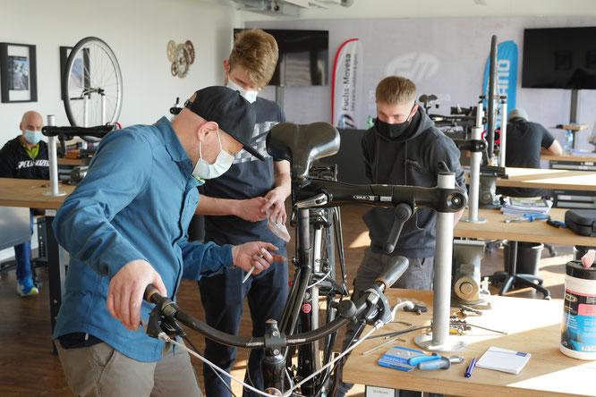 Einsteigerkurs für Werkstatt-Mitarbeitende fand im April 2021 zum ersten Mal statt