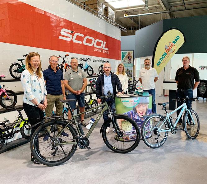 """Eingeladen vom Beiratsmitglied """"scool Bikes"""", wurde die Wahl zur """"Deutschlands fahrradfreundlichsten Schule"""" in deren Räumlichkeiten durchgeführt. ©AktionfahrRad"""