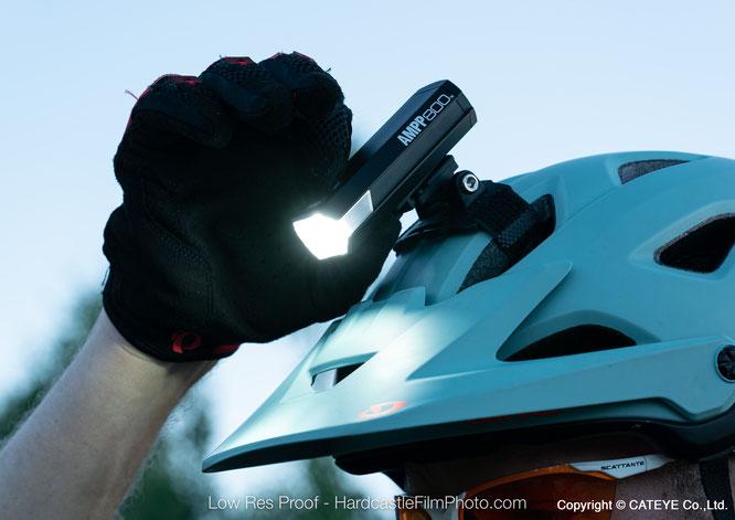 CATEYE AMPP Kompakt-Helmlampen ab sofort auch in Deutschland verfügbar
