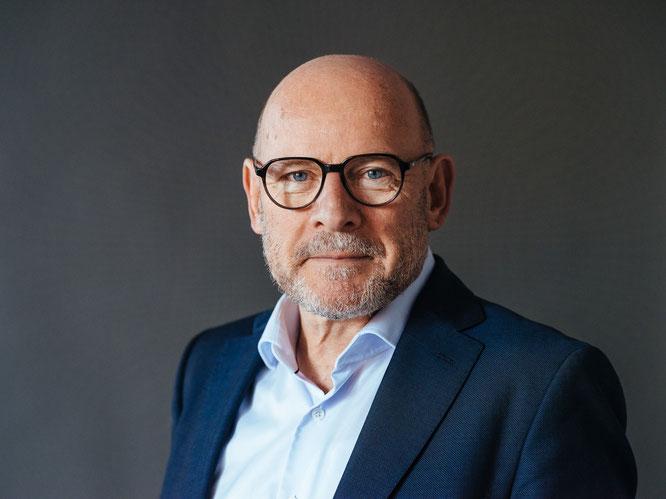 Verkehrsminister Winfried Hermann - Portrait 2019  ©Sebastian Berger