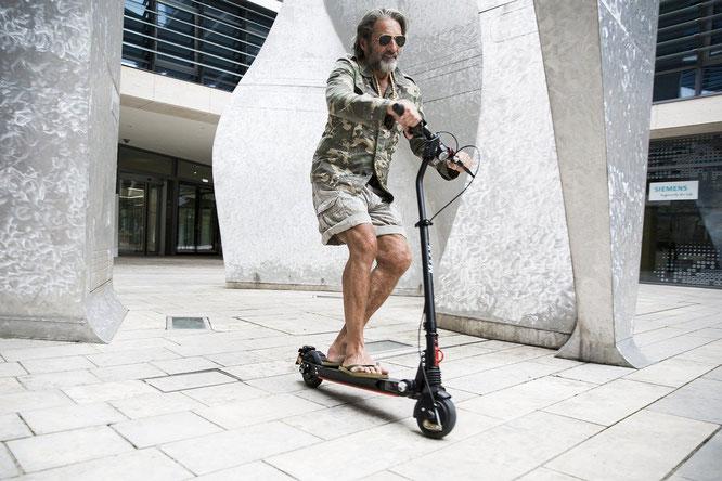 Viele Alleinunfälle mit dem E-Scooter — Übung macht den Meister / Bild: Janik Lipke auf Pixabay