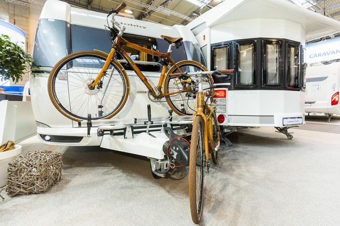 Radreisen sind in – ob vor der eigenen Haustür oder in der Ferne