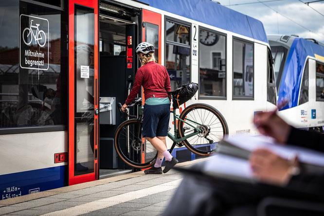 Nachhaltige An- und Abreise: Die Tagestouren sind einfach mit dem ÖPNV zu erreichen © Jens Scheibe