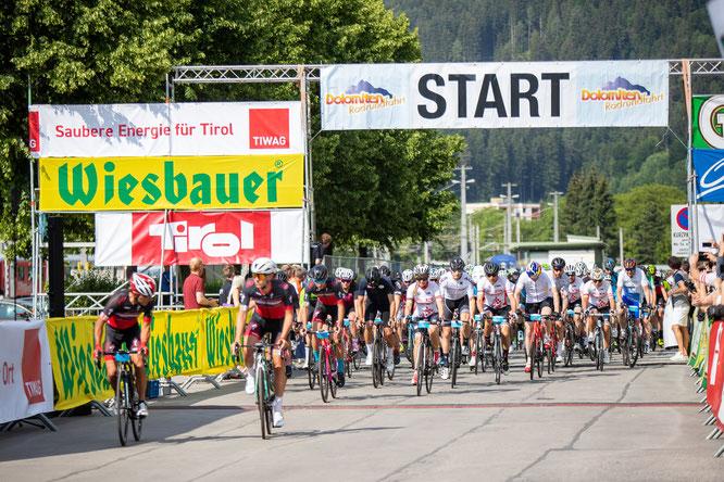 Start zur 32. Dolomitenradrundfahrt 2019 - Copyright: Expa Pictures