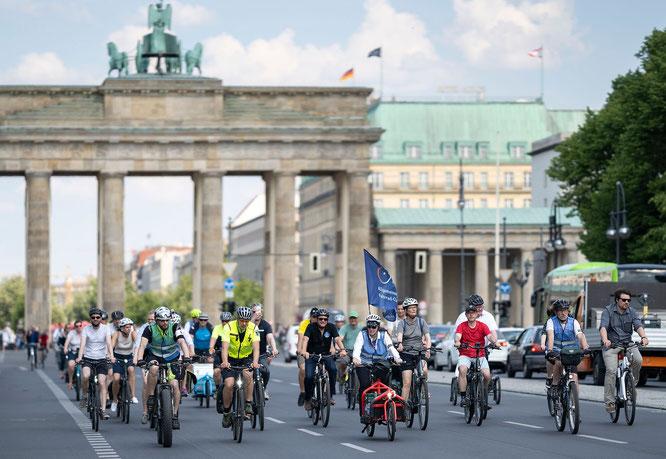 Parlamentarische Radtour des Deutschen Bundestages in Berlin