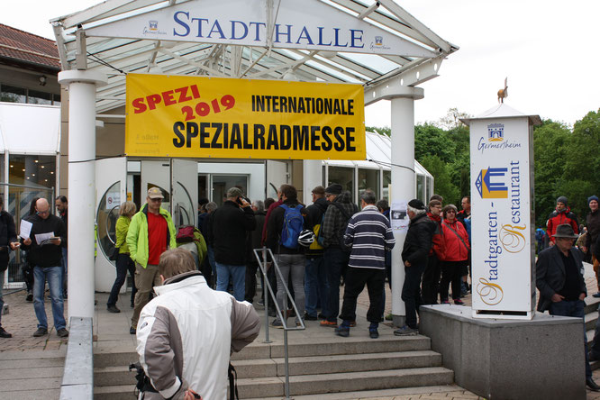 Eine der erfolgreichsten Spezis der letzten Jahre: Die 24. Internationale Spezialradmesse zauberte ein Lächeln auf die Gesichter von Besuchern wie Ausstellern.