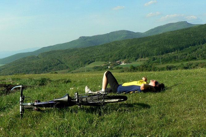 Erholungspause beim Radfahren - Bild von Vladimír Ješko auf Pixabay