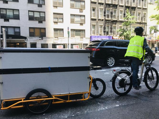 CARLA CARGO: Amazon setzt in New York auf Lastenanhänger aus Freiburg