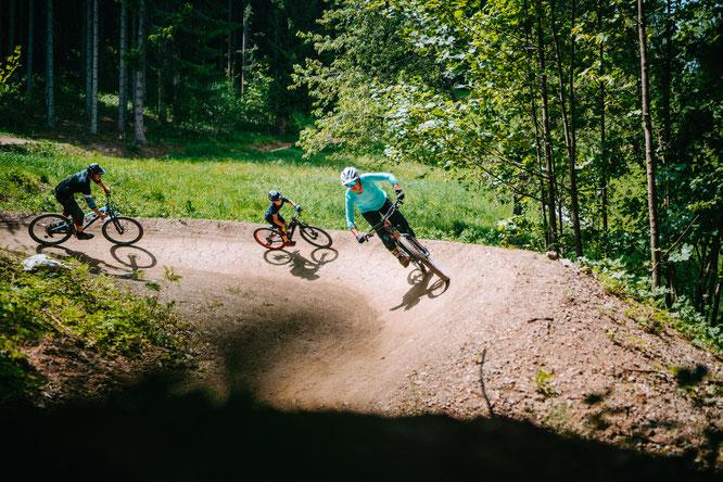 Biketouren mit der ganzen Familie sind der Wunsch vieler Bikefamilien - in der lake.bike-Region finden sie das passende Angebot.