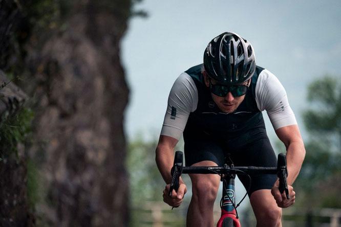 Der MET Estro MIPS® ist dank seiner ausgeklügelten Konstruktion und seines hervorragenden Schutzes durch die vergrößerte Kopfabdeckung die erste Wahl für jeden verantwortungsbewussten Radfahrer.