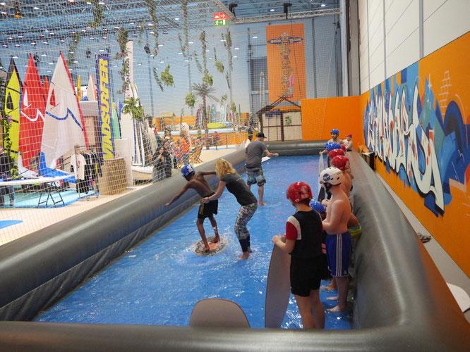 Skateboarden auf dem Wasser! In der Messehalle wird dazu ein großer Pool aufgebaut. ©Messe Essen