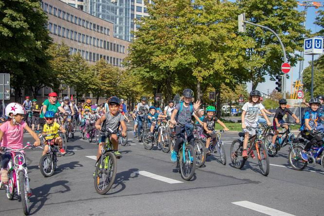 KIDICAL MASS, Nur eine Fahrradstadt ist eine kinderfreundliche Stadt! / Foto: Sebastian Peter