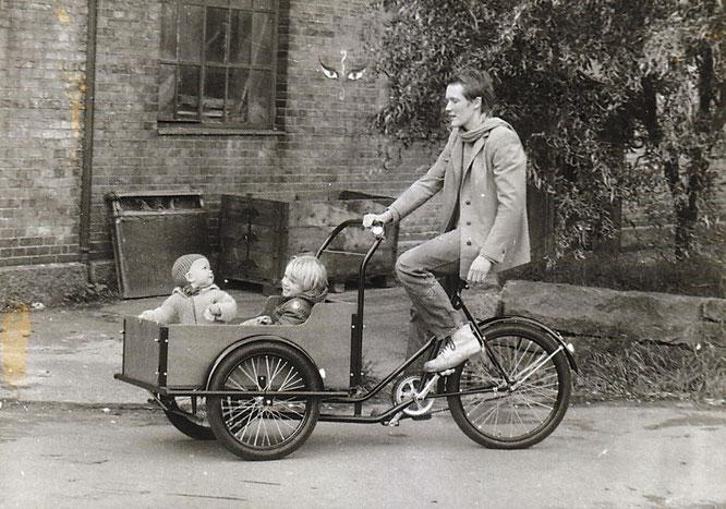 Annie Lerche auf dem ersten Christiania-Fahrrad