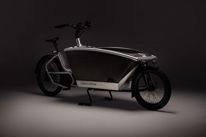 Mit dem Urban Arrow 'Family Anniversary' feiert der e-Cargobike-Pionier sein zehnjähriges Bestehen.