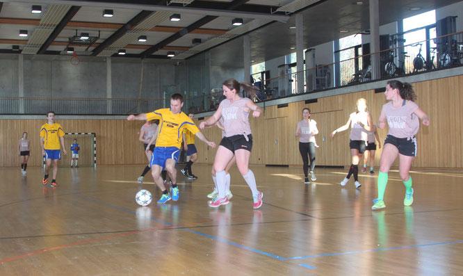 Marco Fey_Schwarzwaldbolzer_Annika Buhl_Soccergirls_MTB-Soccercup 2017_by Goller