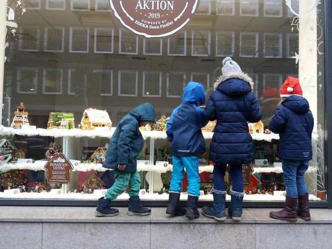 Knusperhäuschen-Wettbewerb am Weihnachtsmarkt - so schön, wenn man sich alles ohne drängelnde Menschenmassen in Ruhe anschauen kann