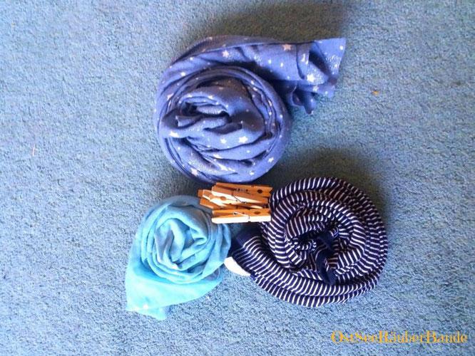 Tücher und Wäscheklammern als Einladung Verbindungen zu erkunden